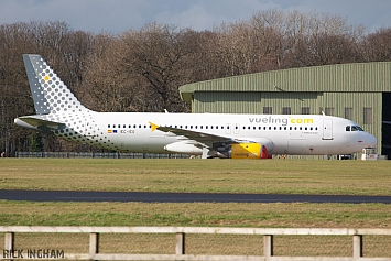 Airbus A320-211 - EC-ICS - Vueling Airlines
